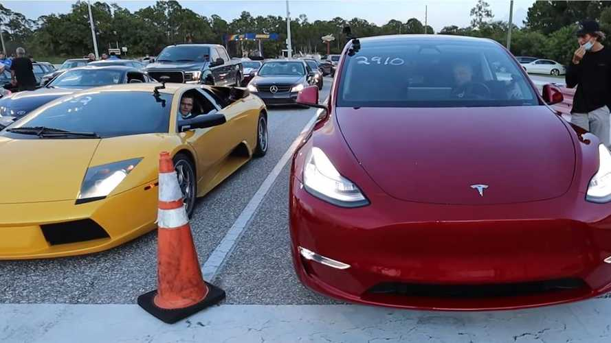 Watch Tesla Model Y drag race Lamborghini Murciélago