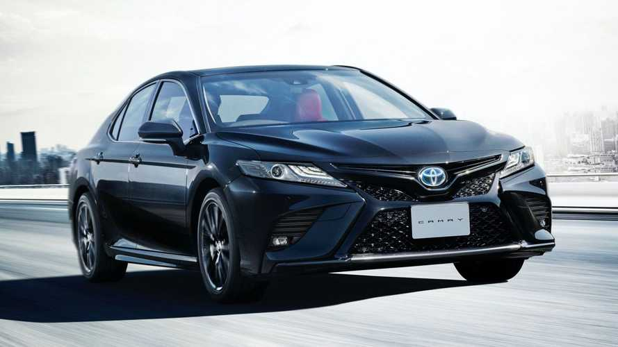Toyota Camry híbrido ganha visual exclusivo com série Black Edition