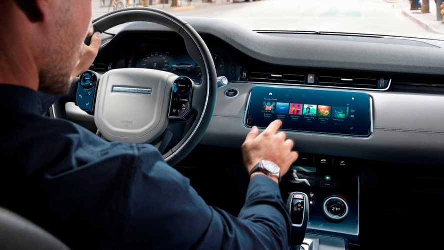 В российских Jaguar и Land Rover появился Spotify