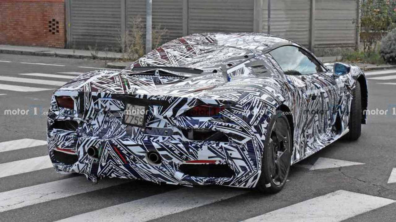 2021 Maserati MC20 spia foto