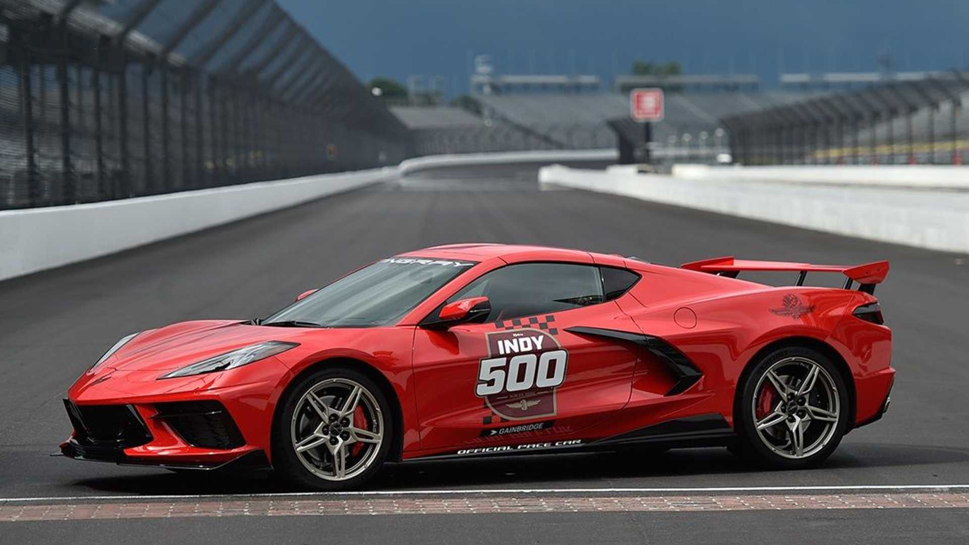 2019 - [Chevrolet] Corvette C8 Stingray - Page 7 2020-chevy-corvette-c8-indianapolis-500-pace-car-brickyard-close