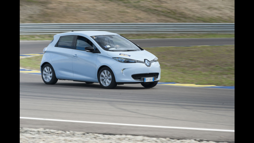 Renault ZOE: in pista per la prima Press ecoRace