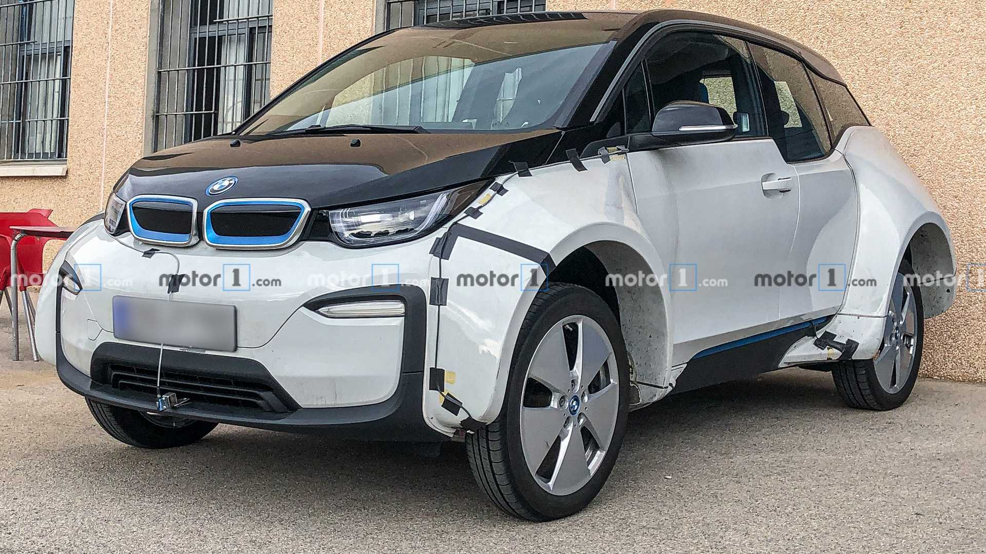 Weird BMW i3 test mule spied with the widest fenders ever