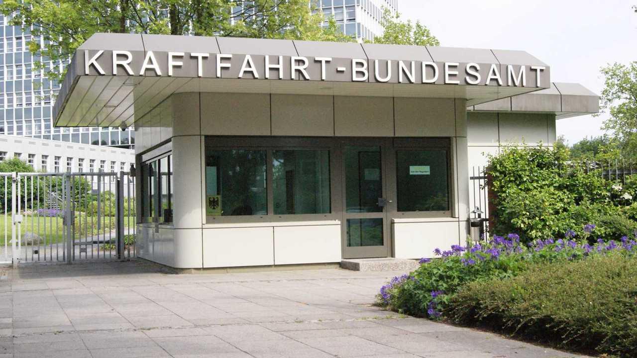 KBA (Eingang zum Gelände/Infopavillon)