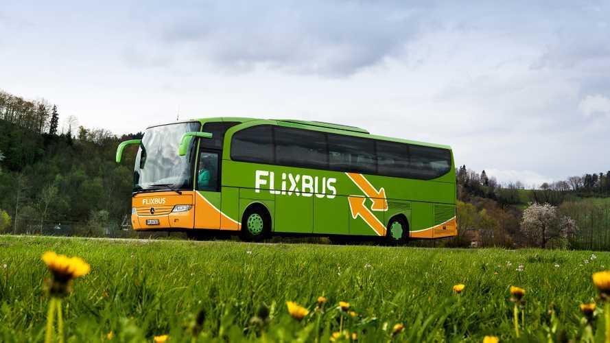 Bus elettrici, FlixBus testa i pannelli solari sul tetto