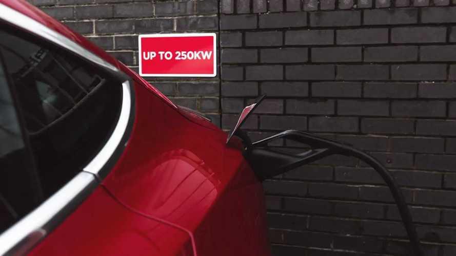 Quanto ci vuole a caricare una Tesla Model 3 al Supercharger V3