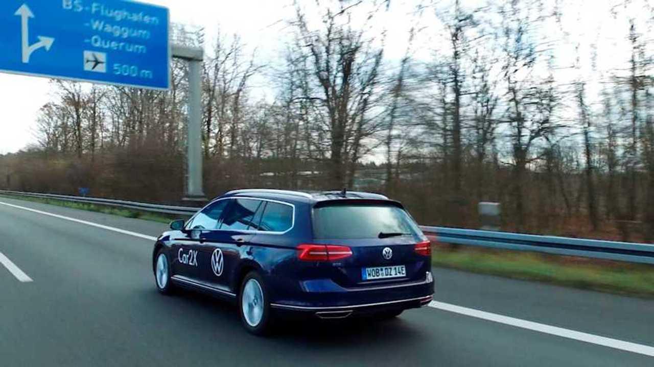 Volkswagen guida autonoma strada