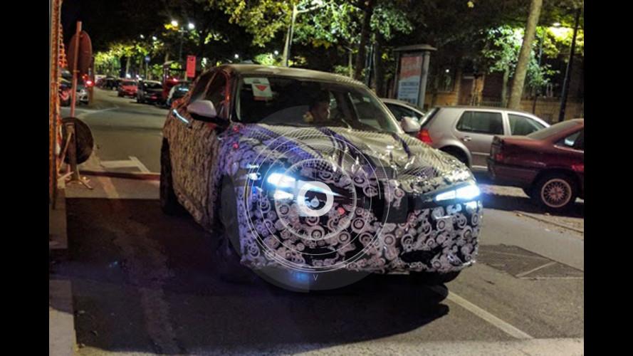 Alfa Romeo Stelvio, nuove foto spia a un mese dal debutto