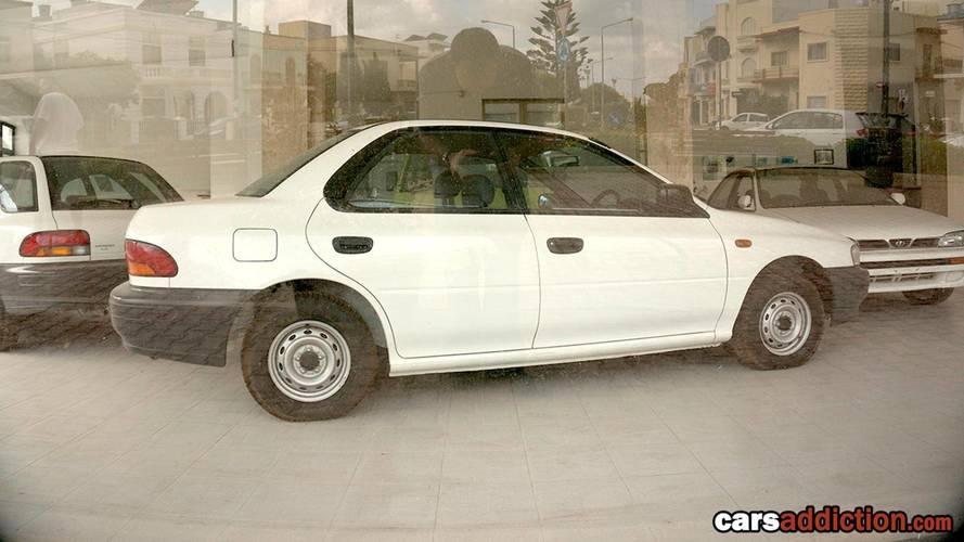Elhagyatott Subaru-kereskedés Máltán