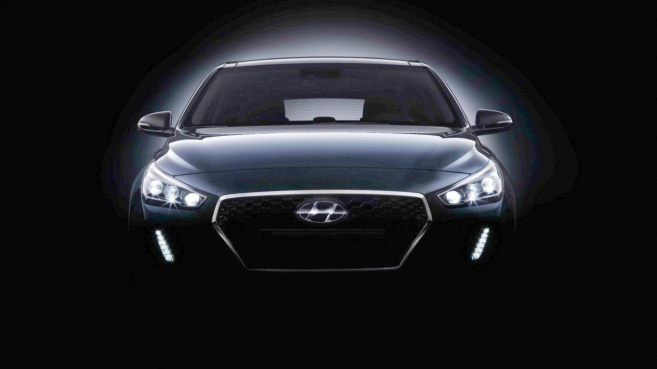 2017 Hyundai i30 teaser (modified)