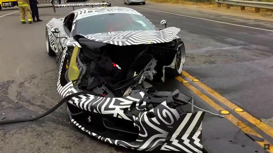 Modifiyeli Ferrari 458, Monterey'de kaza yaptı