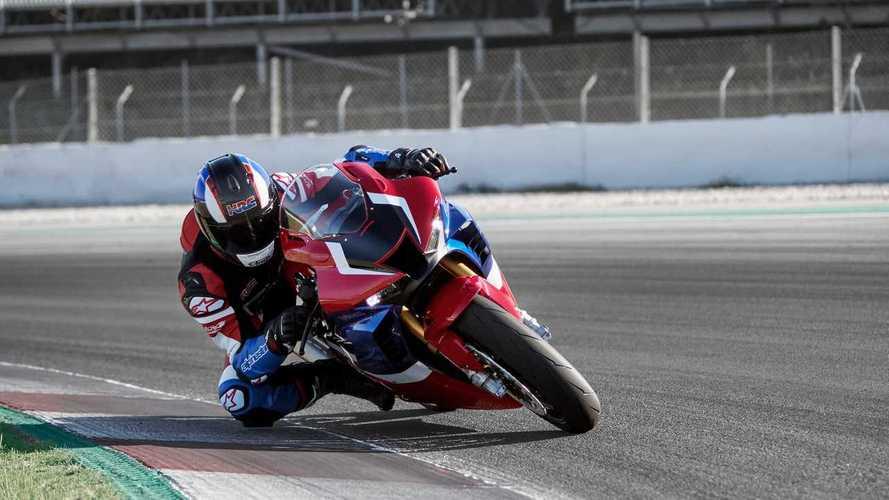 Honda: Marquez sulla CBR 1000 RR-R Fireblade, hotlap a 360° [VIDEO]