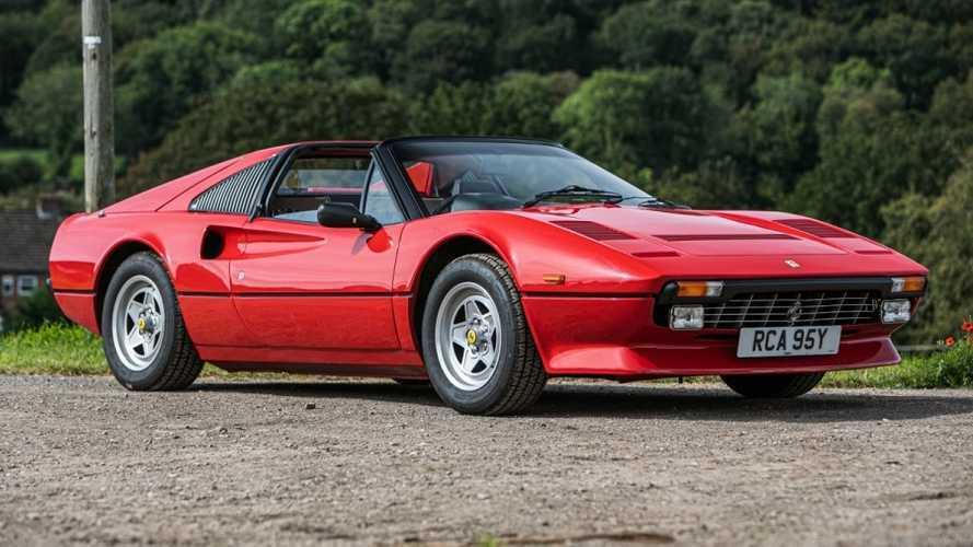 En venta este Ferrari 308 GTS QV, de 1983, con volante a la derecha