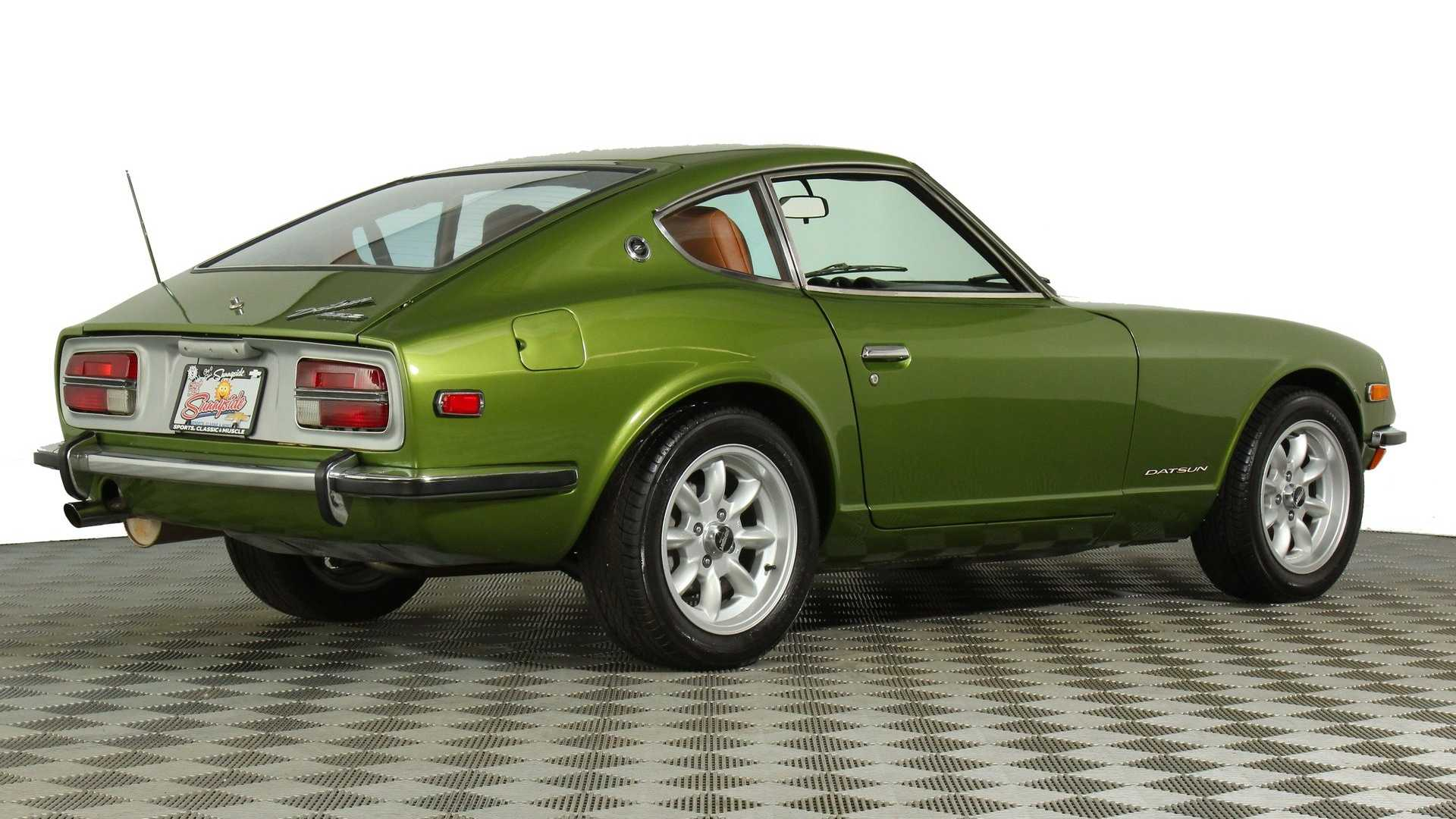"[""Drive Some Japanese Goodness With This 1972 Datsun 240Z""]"