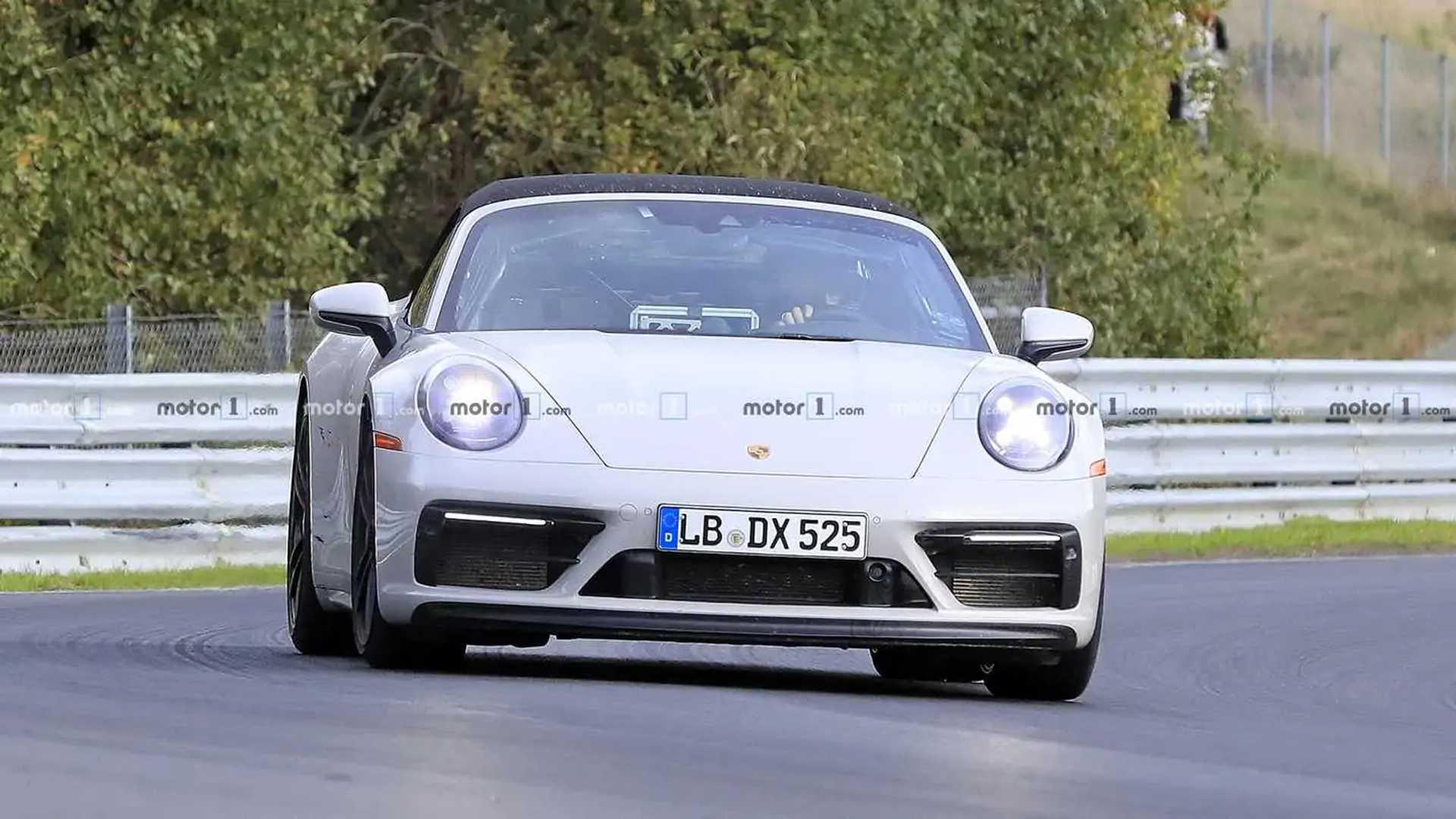 Porsche 911 GTS Cabriolet Spy Shots