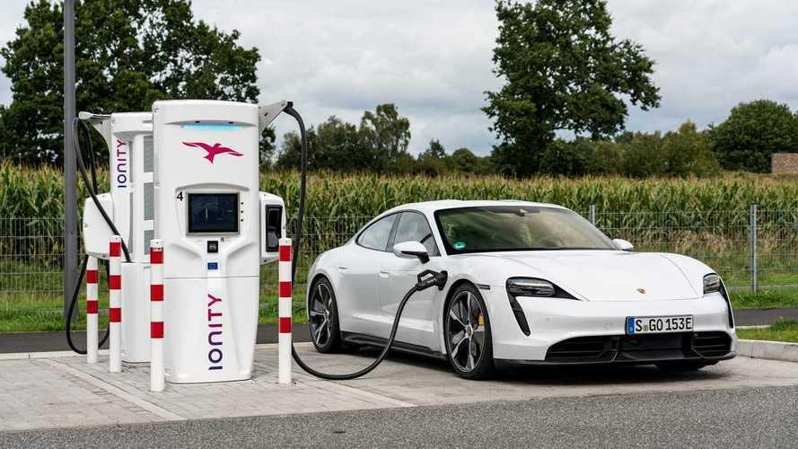 Como a temperatura do ambiente afeta a autonomia de um carro elétrico?