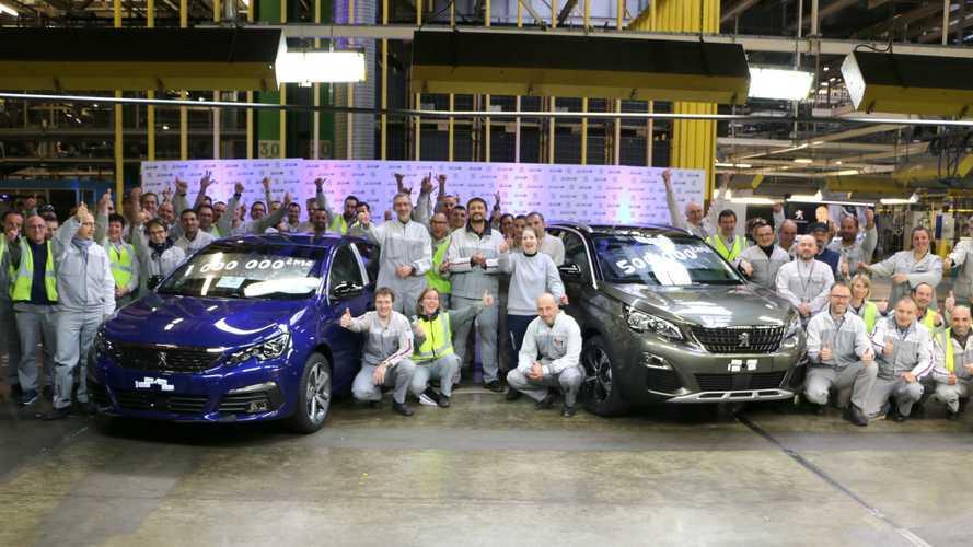 Dupla mérföldkő a Peugeotnál - egymillió 308 és félmillió 3008 gördült le a gyártósorról