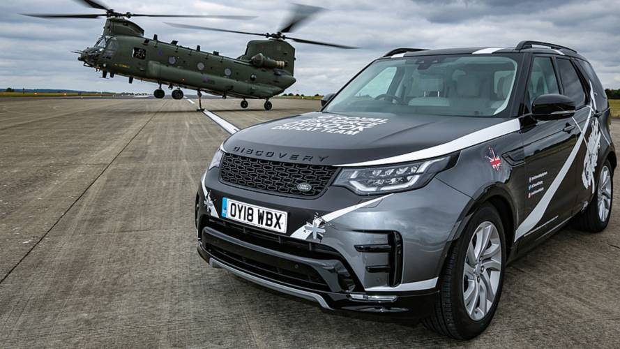 Land Rover gift wraps Discovery for RAF Chinook Display Team