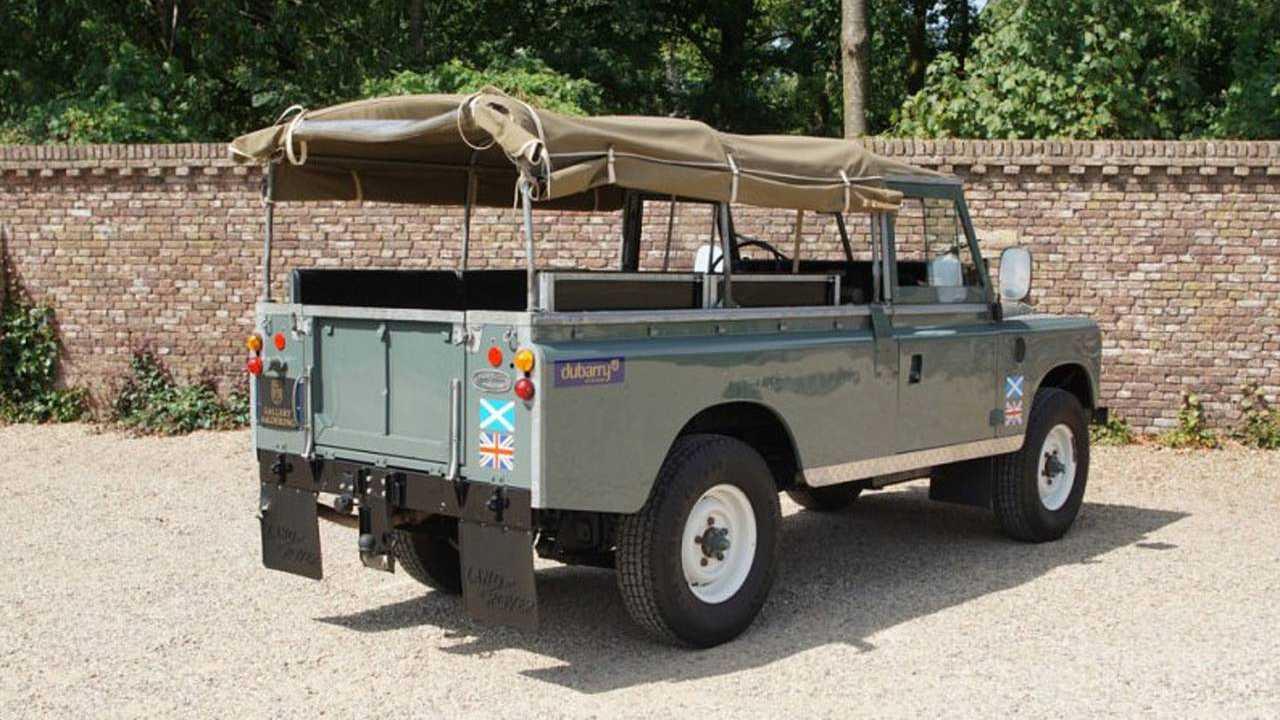 1981 Land Rover 109 Pickup - $18,840