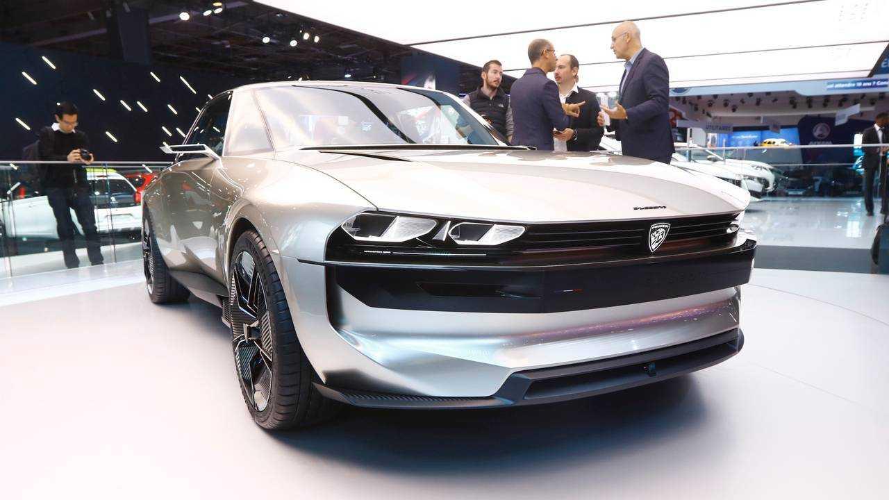 Peugeot e-Legend Konsepti 2018 Paris Otomobil Fuarı'nda