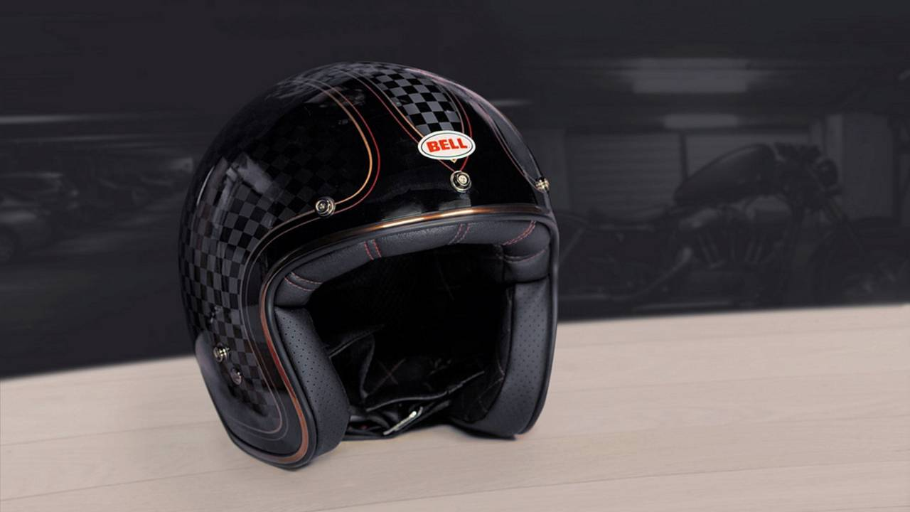 Bell renueva su casco Custom 500