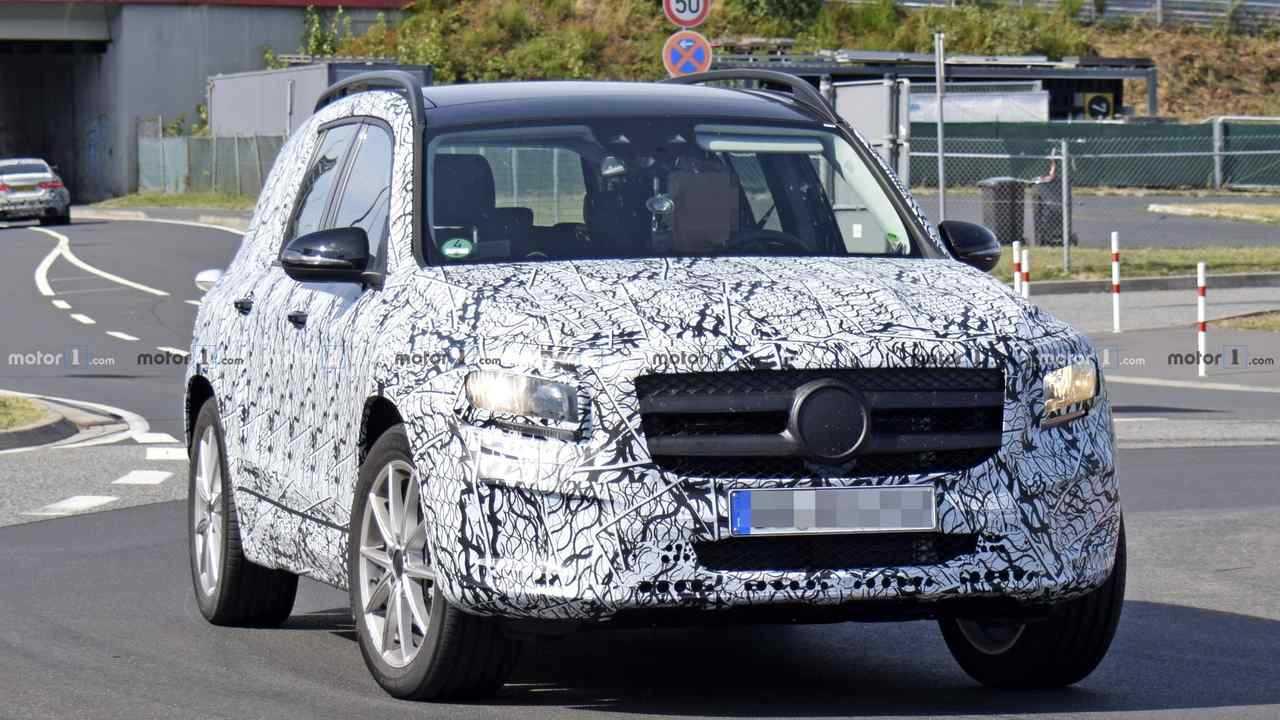 Mercedes GLB spy photo