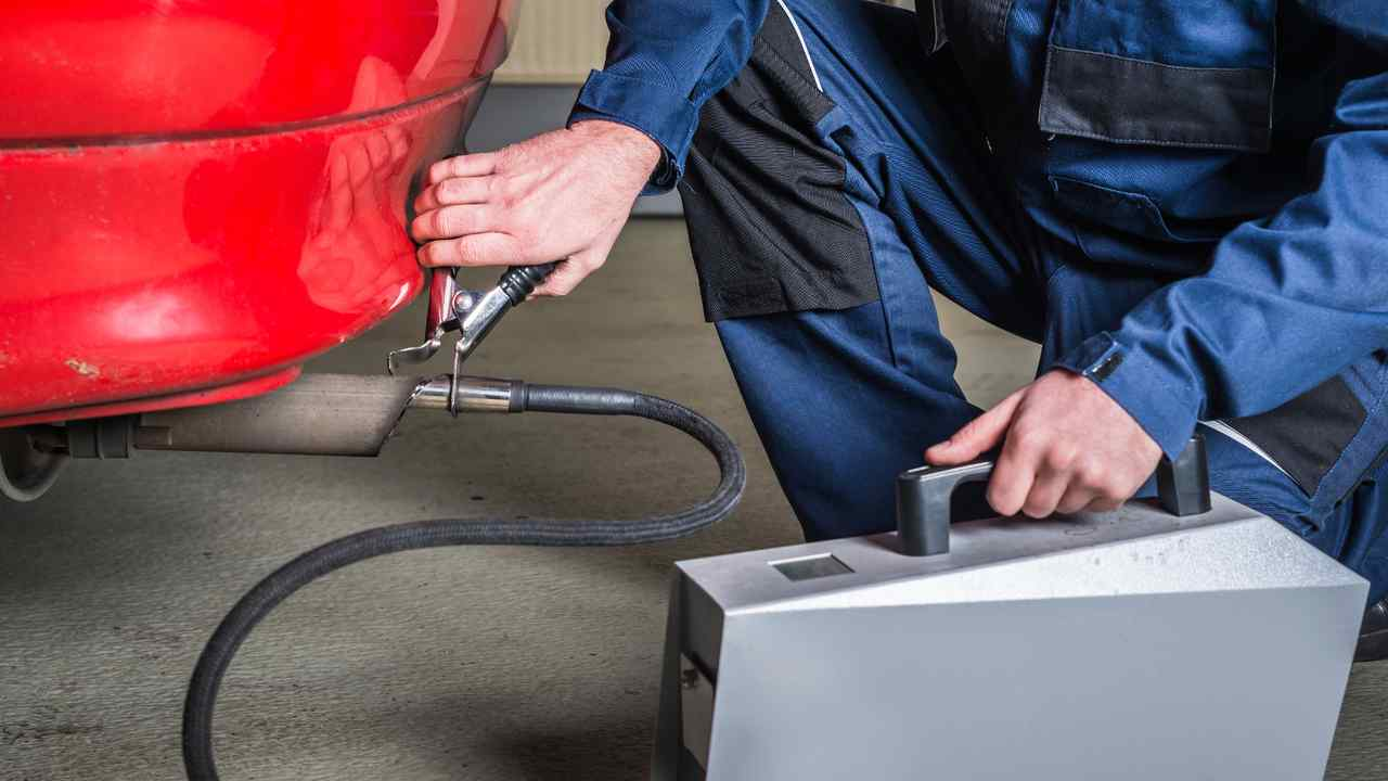 Exhaust gas sensor applied to car by mechanic