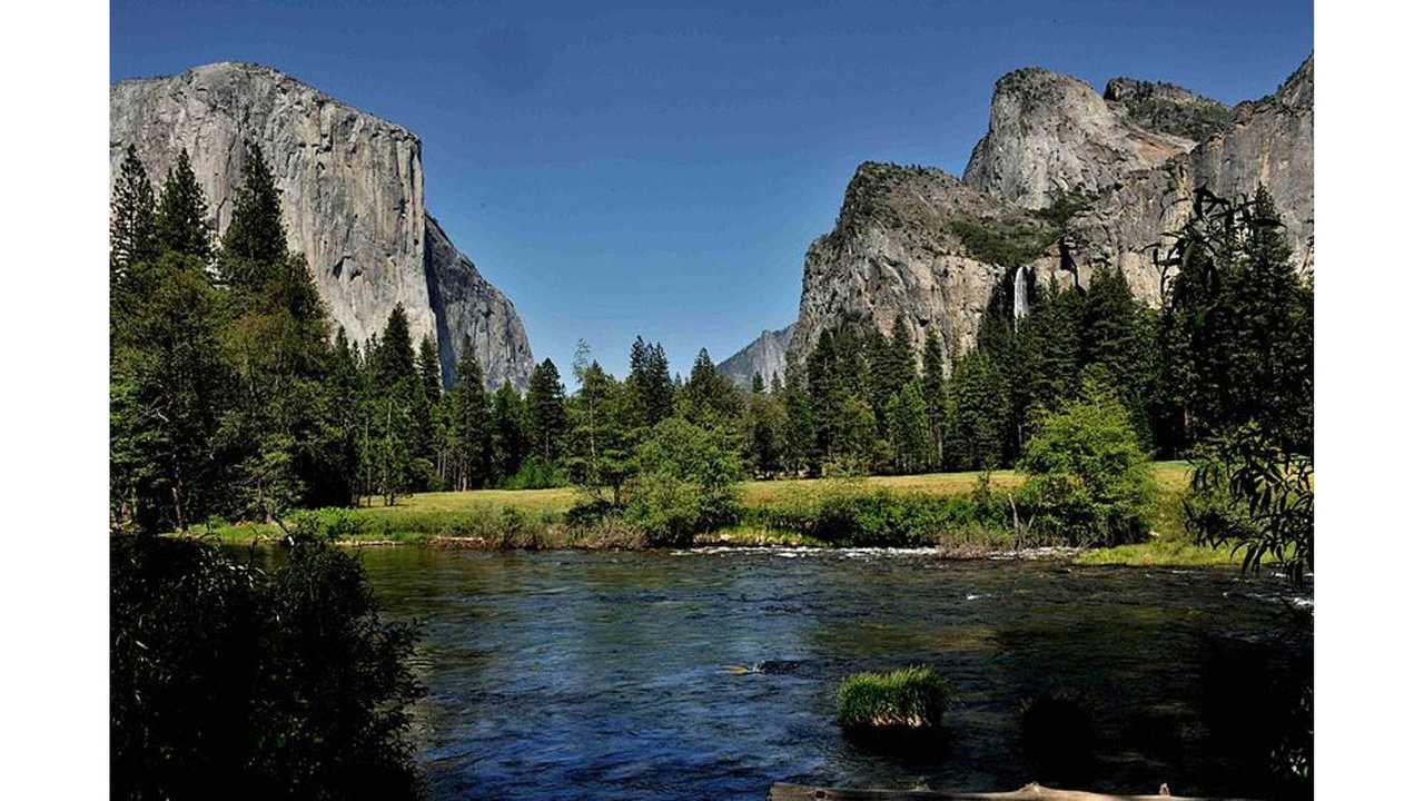 Yosemite National Park (source: Wikipedia)