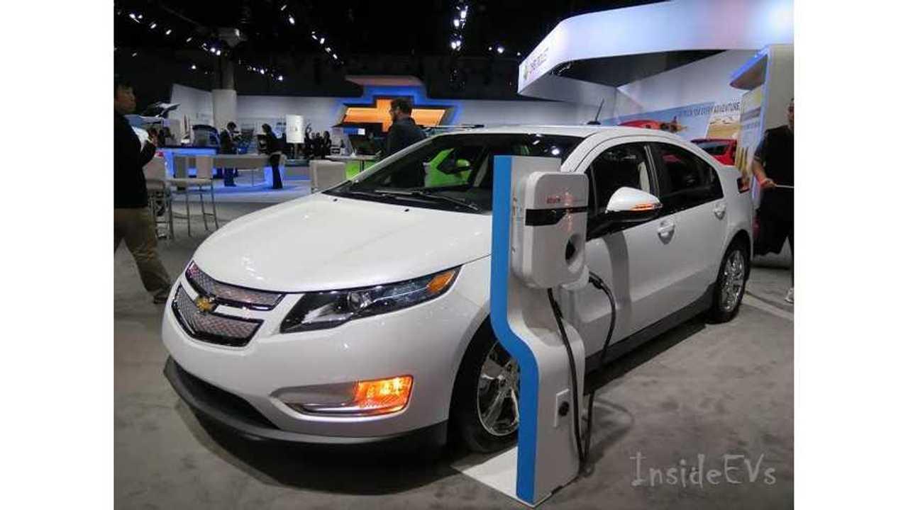 Cadillac ELR, Chevy Volt, Chevy Spark EV - Live Images From 2014 LA Auto Show