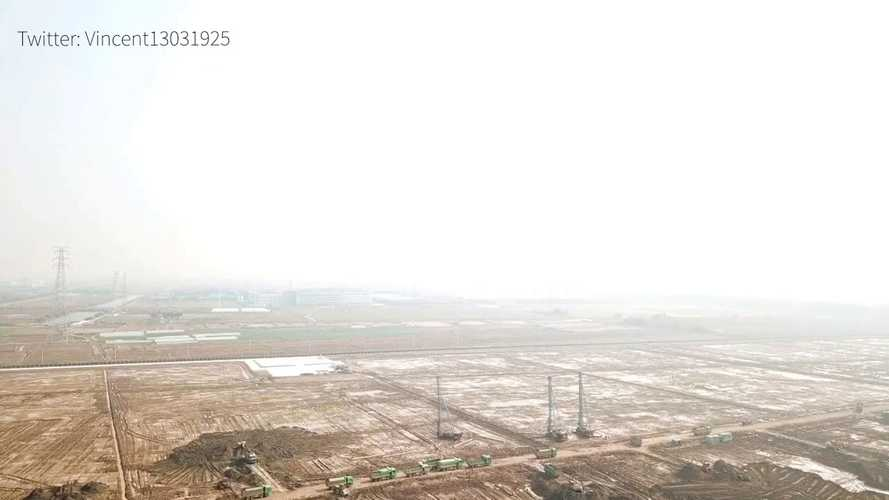 Quick Look At The Tesla Gigafactory 3 Construction Progress: Video