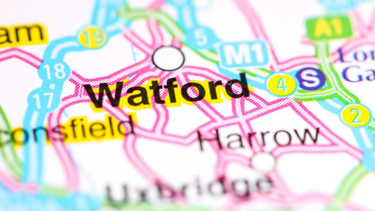Watford UK on a map