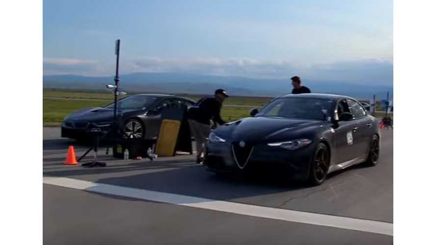 BMW i8 Versus Alfa Romeo Giulia Quadrifoglio - Drag Race Video