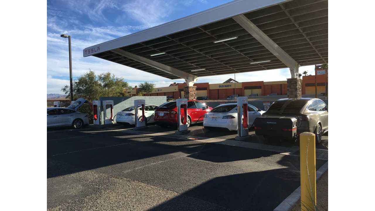 Tesla Superchargers in Barstow, CA in action (Image via PlugShare)