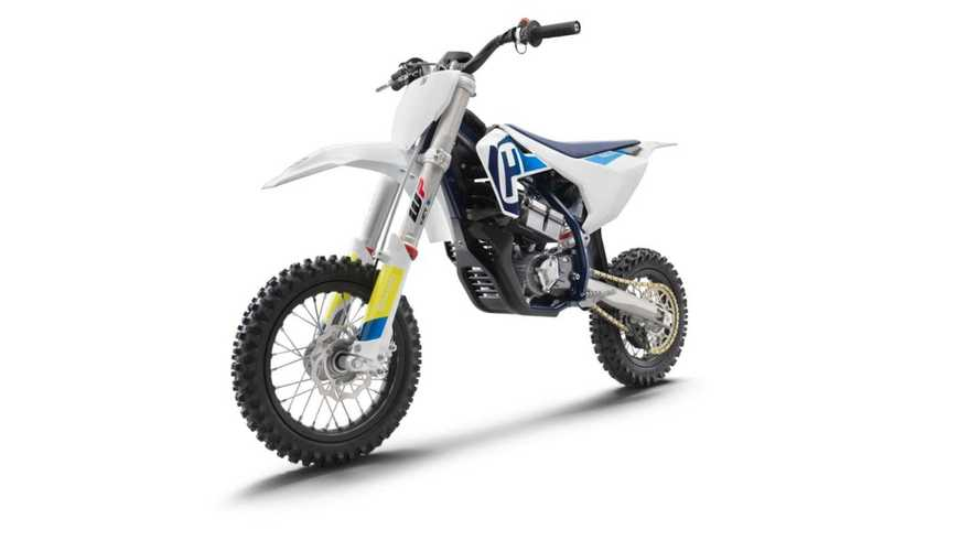 The Husqvarna EE5 Gets Electric Bikes Dirty