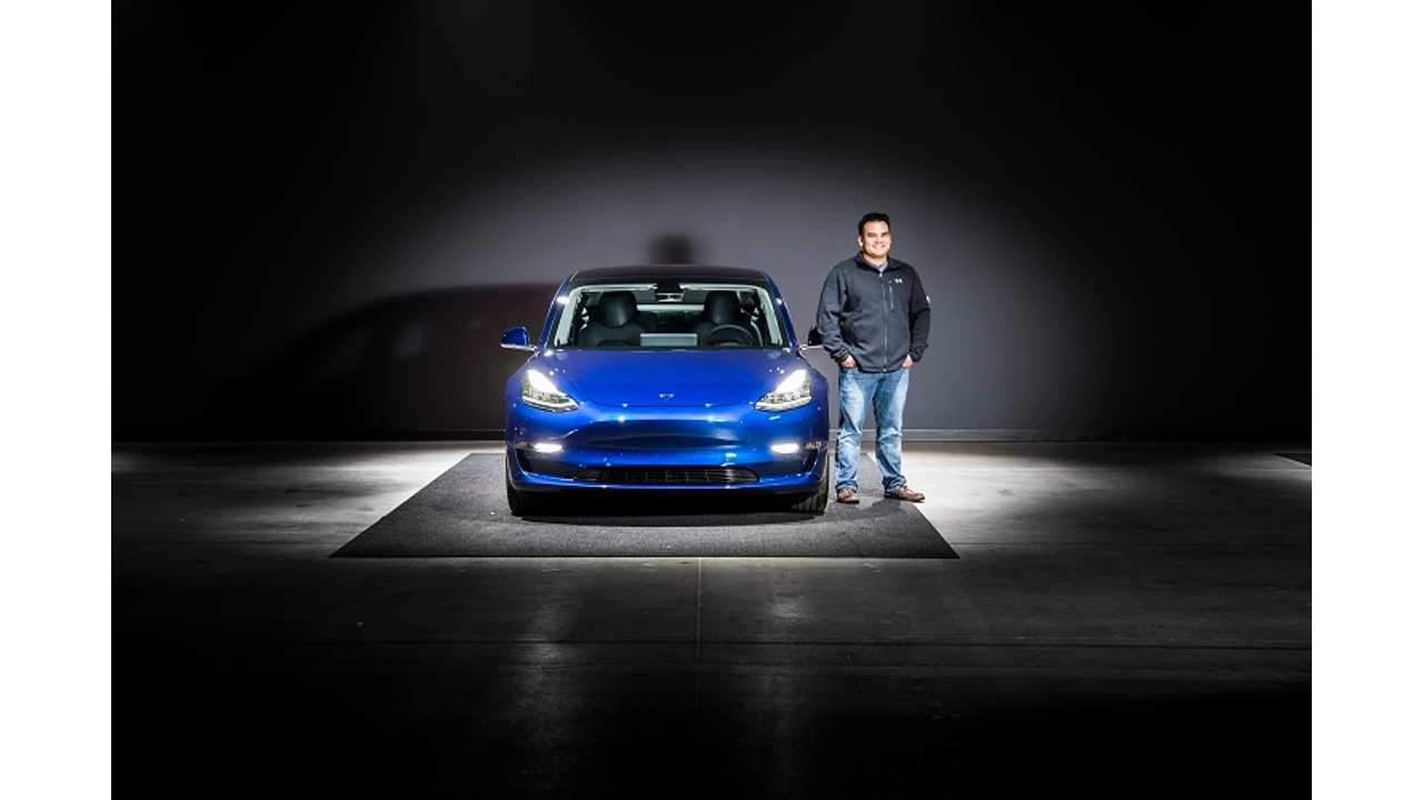 InsideEVs Contributor Shares His Tesla Model 3 Delivery