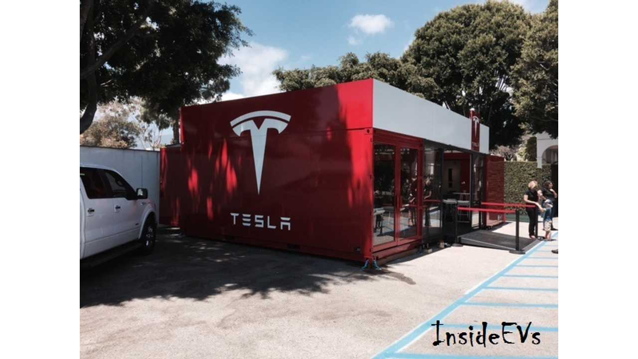 Tesla Pop-Up Store Can Be Broken Down In A Couple Hours And Loaded Onto A Single Truck (via David Wexler)