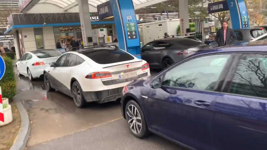 Revenge Of The Electric Cars? EVs Block Gas Station To Prove A Point