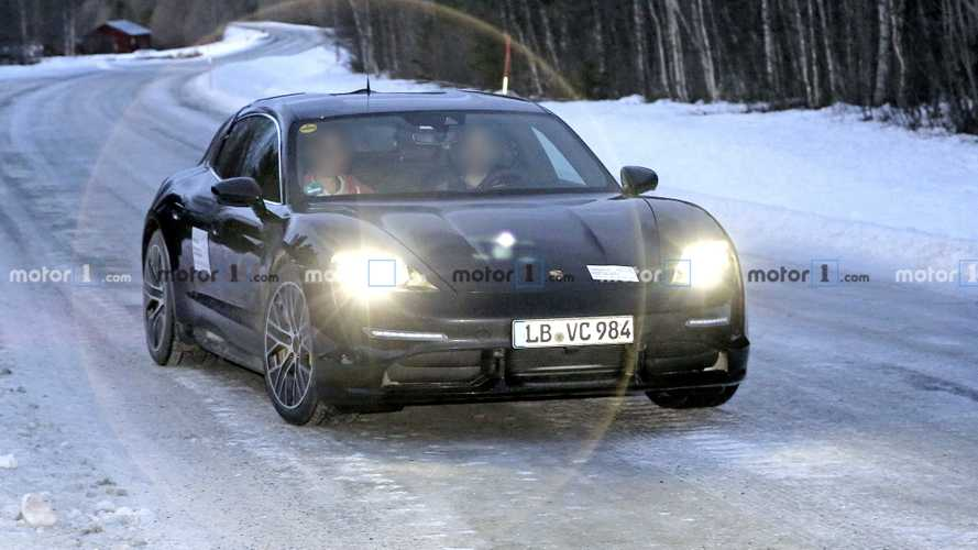 Porsche Taycan Cross Turismo spy photos