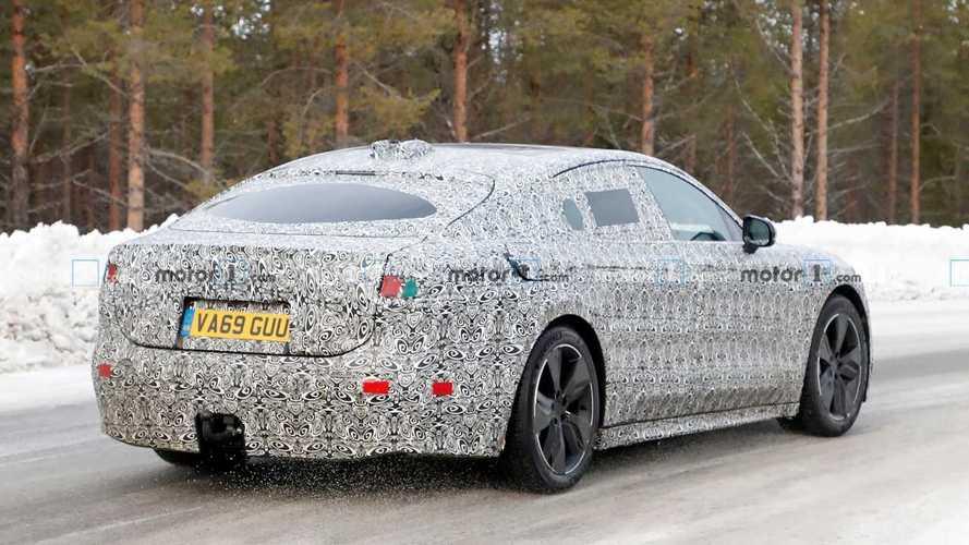 Yeni Jaguar XJ standart sedan formülünü bırakıyor