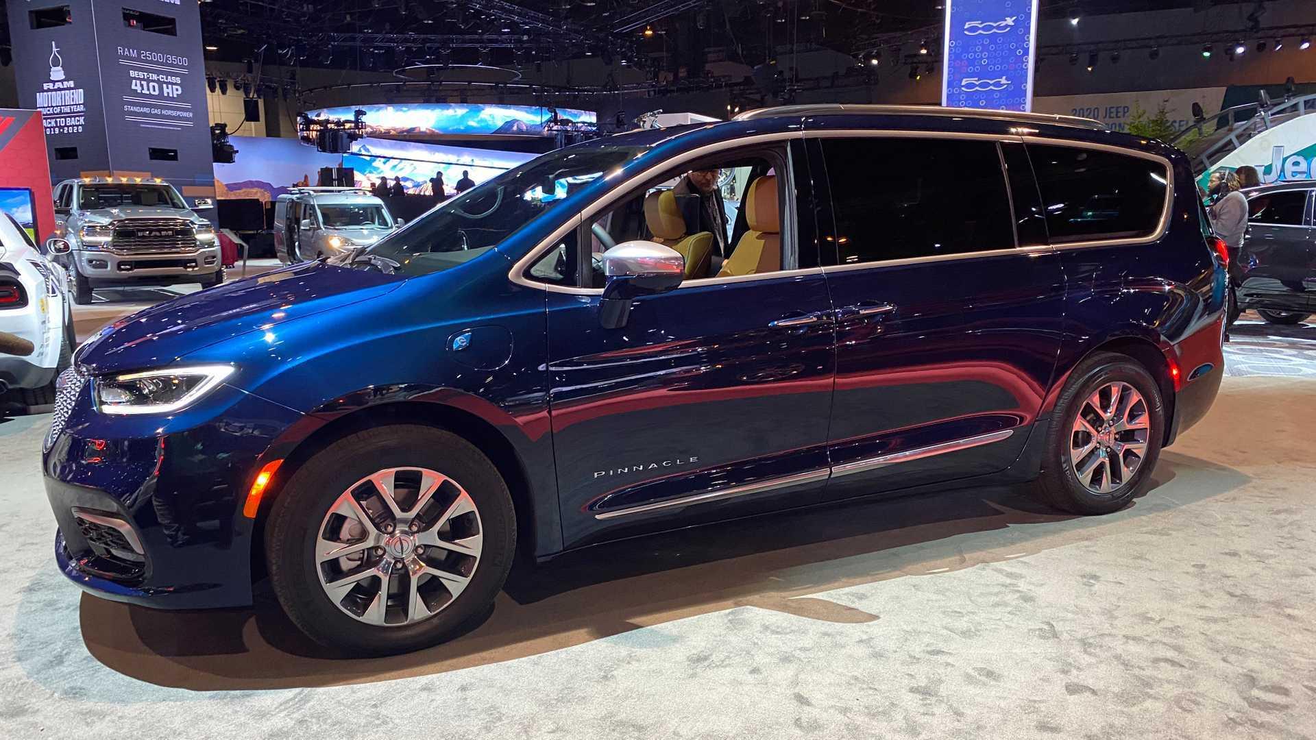 Новый Chrysler Pacifica Pinnacle уже предлагается со скидкой 5000 долларов