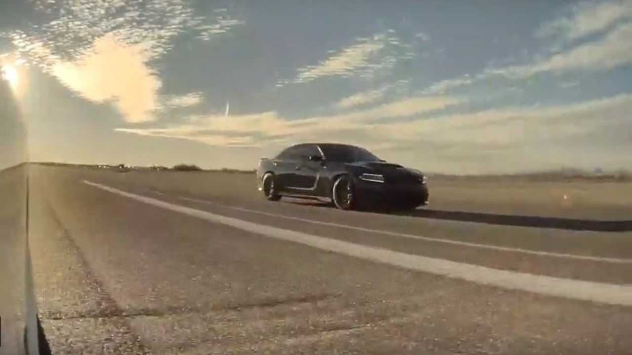 Watch Tesla Model 3 Performance Race Charger Hellcat In 1/2-Mile