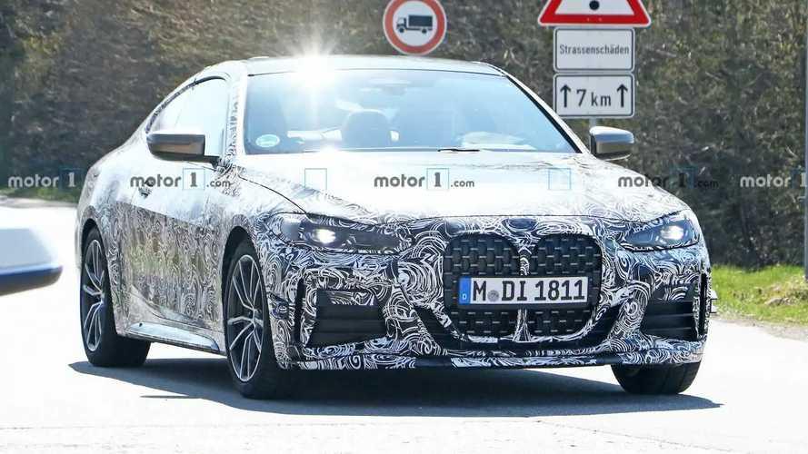 2020 BMW 4 Serisi Coupe'nin M Performance Parçalarıyla Casus Fotoğrafları