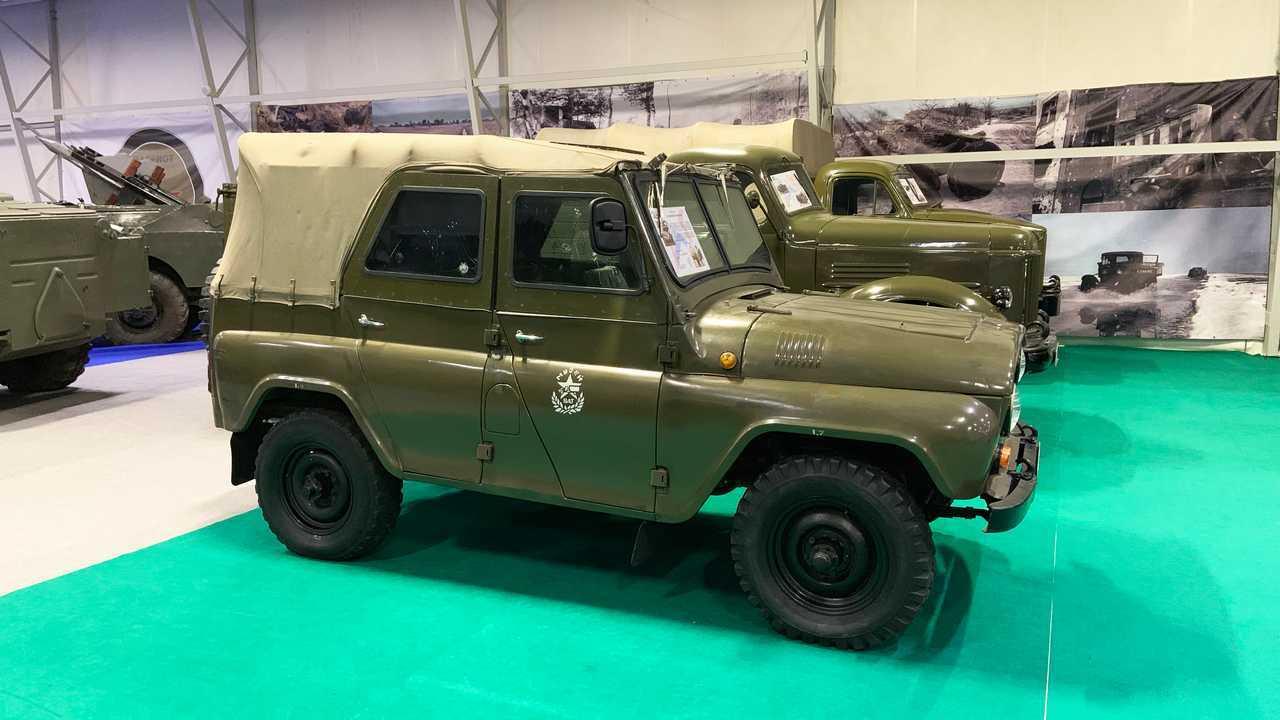 Vergessene Militärfahrzeuge der UdSSR: UAZ-3151 mit Panzerung