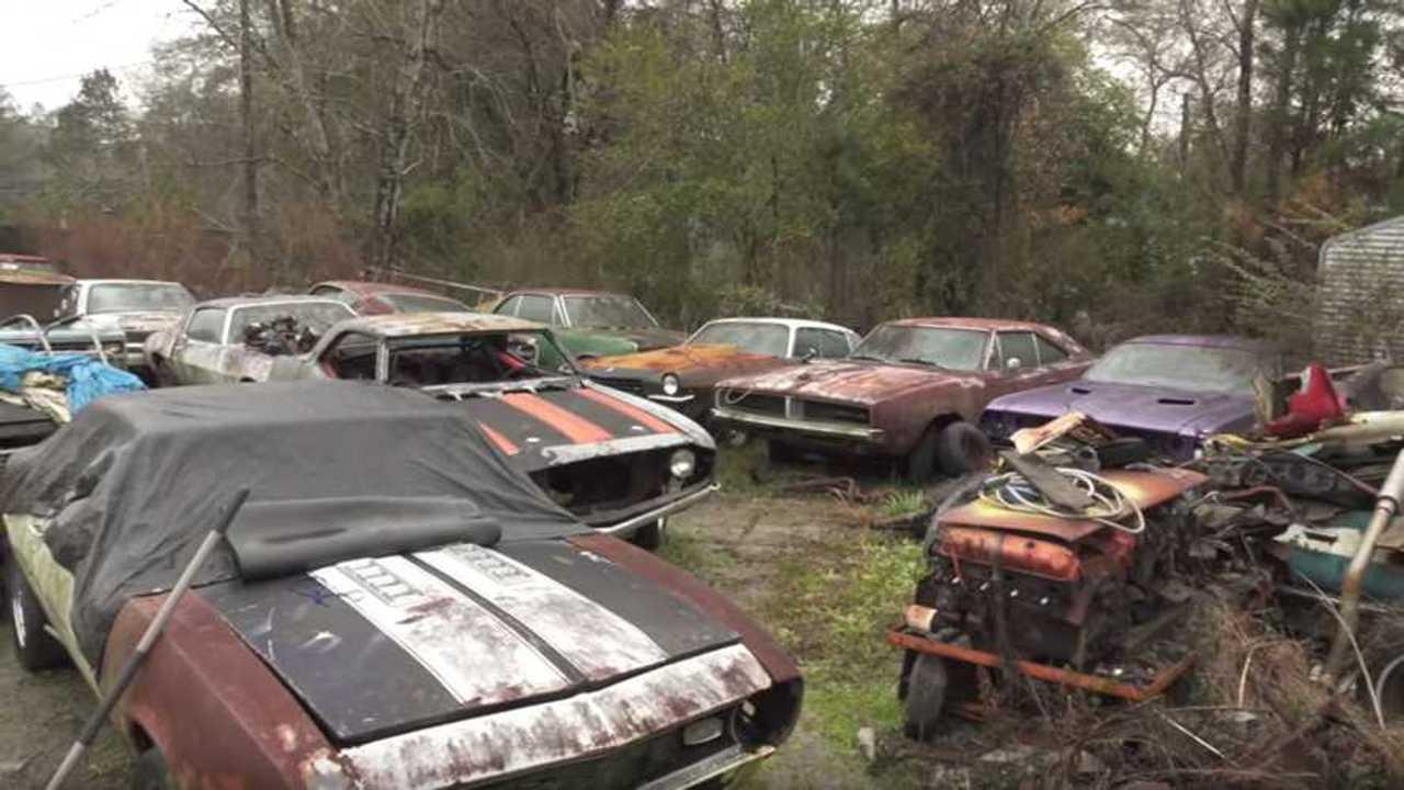 See A Huge American Muscle Car Barn Find