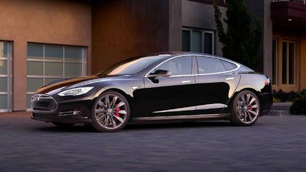 Tesla arrisca com confiança excessiva no sistema autônomo, diz Euro NCAP