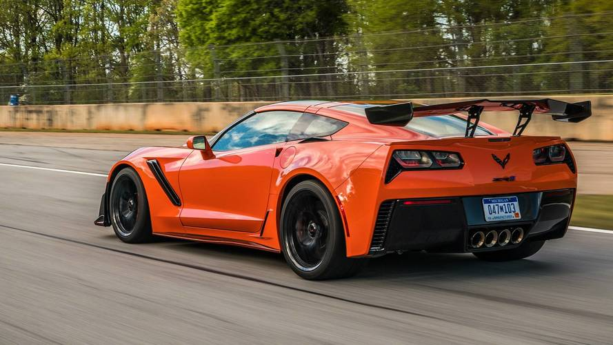 Corvette C7 Z06, ZR1 Owners Are Having Problems Finding Rear Tires