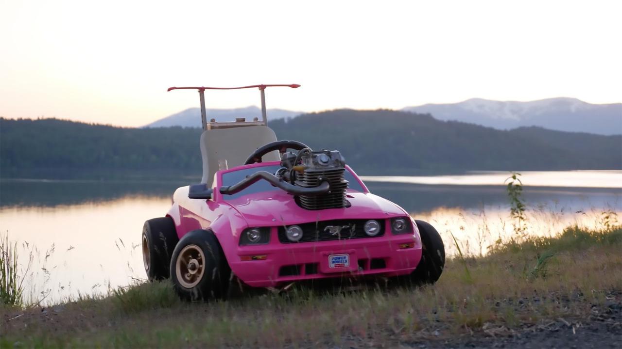 Mustang de Barbie con motor Honda