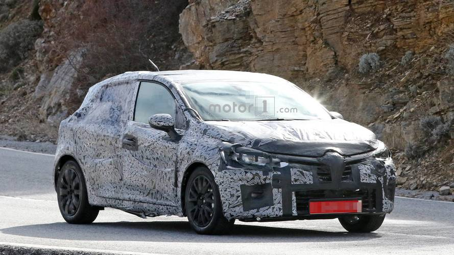2019 renault clio spied ahead of possible september debut. Black Bedroom Furniture Sets. Home Design Ideas