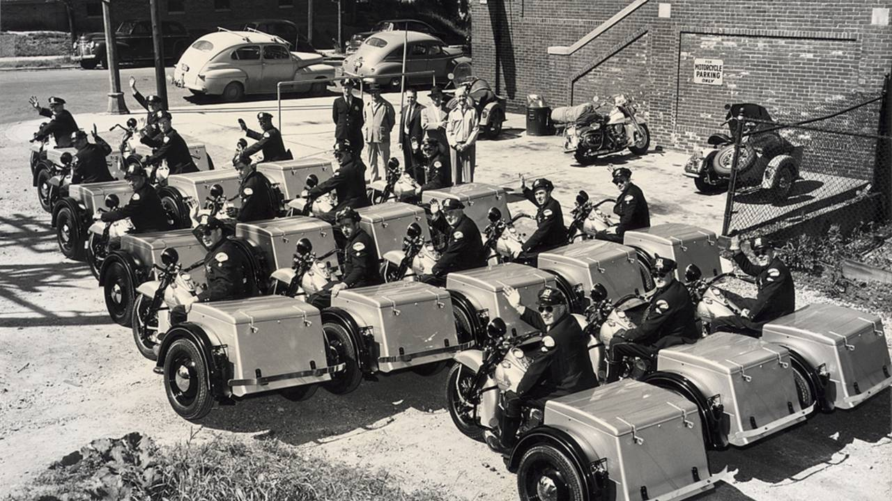 Chicago Police on their servi-cars in 1951. Photo courtesy of the HD-Archives.