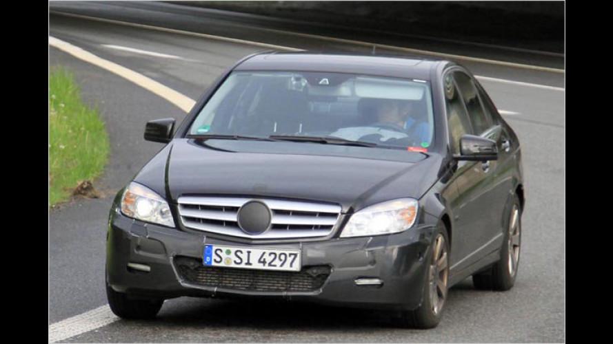 Erwischt: Mercedes liftet die C-Klasse